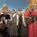Светлана КОПЫЛОВА поет песнюКирилл и Мария